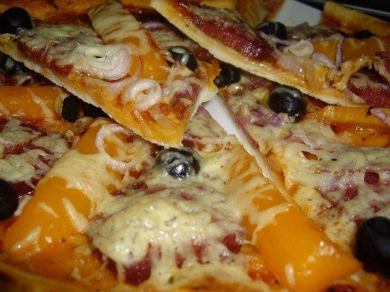 С вами рецептом приготовления пиццы