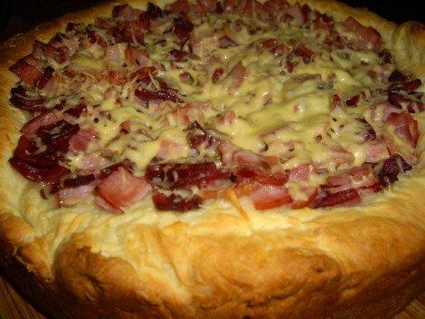 Немецкий пирог с грудинкой